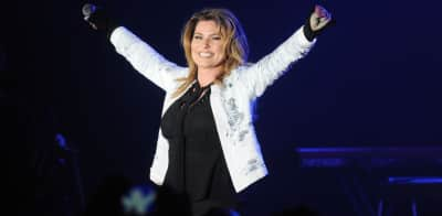 Shania Twain's Now debuts at number one on the Billboard 200