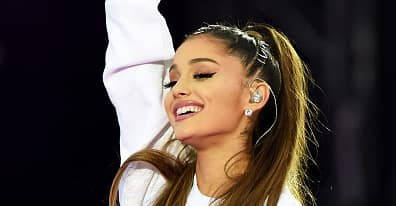 """Ariana Grande Releases """"Somewhere Over The Rainbow"""" As A Charity Single For Manchester Victims"""