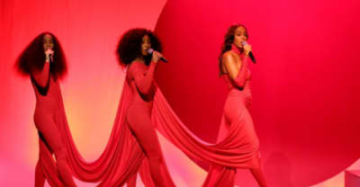 "Solange Brought Back An Iconic Look From The ""Cranes In The Sky"" Video On Fallon Tonight"