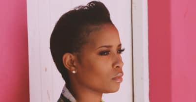 "DeJ Loaf Reckons With Success On Her Remix Of Beanie Siegel's ""In The Air"""