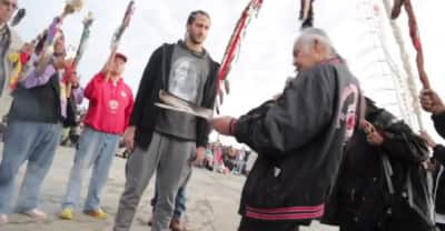 """Colin Kaepernick celebrated """"Unthanksgiving Day"""" with Native Americans at Alcatraz"""