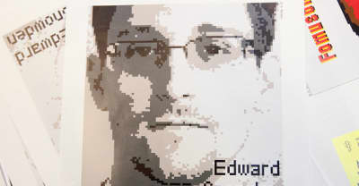 """Report: Russia Allegedly Considering To Extradite Edward Snowden To """"Curry Favor"""" With Trump"""
