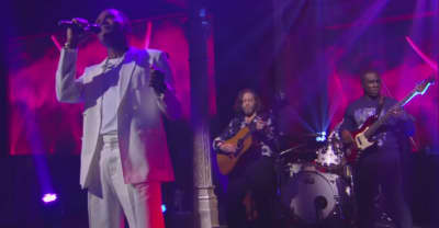 "Watch Maxwell Bring ""Lake By The Ocean"" To Late Show With Stephen Colbert"
