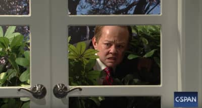 Watch Melissa McCarthy As Sean Spicer On Saturday Night Live
