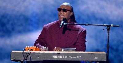 Stevie Wonder performed the national anthem on his knees