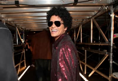 Bruno Mars calls on the NFL for a hip-hop Super Bowl halftime show
