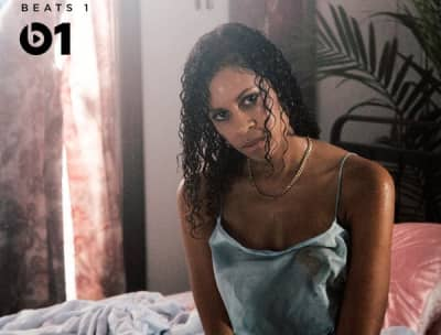"AlunaGeorge Debuts ""My Blood"" Featuring Zhu"