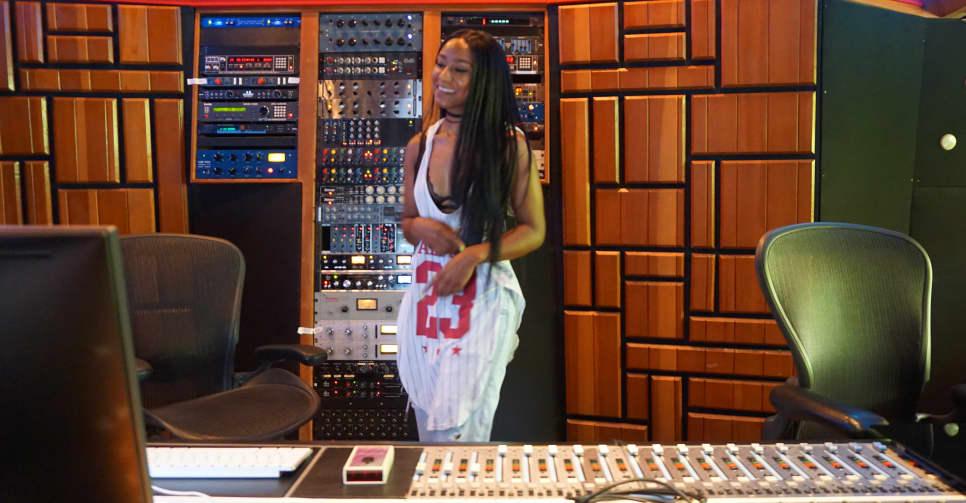 thefader.com - Meet Kesha Lee, The Engineer Bringing Your Favorite Atlanta Artists' Songs To Life