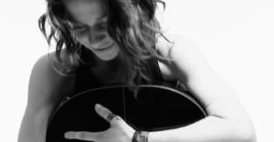 "Ani DiFranco Debuts The Video For Her Politically-Charged ""Binary"""
