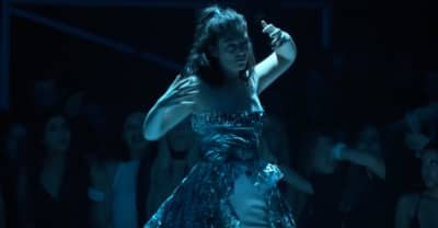 """Watch Lorde Perform """"Homemade Dynamite"""" At The 2017 MTV VMAs"""