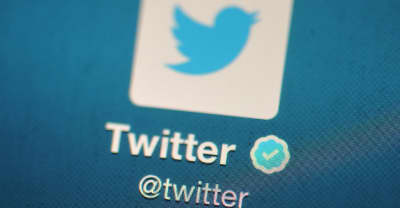 """Twitter had a """"bug,"""" so you need to change your password right now"""