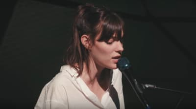 "Watch Charlotte Cardin perform a yearning live rendition of ""Main Girl"""