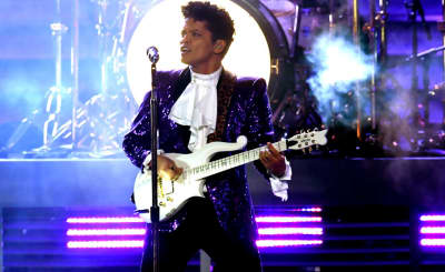 Watch Bruno Mars Pay Tribute To Prince At The 2017 Grammy Awards