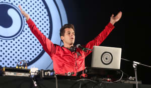"Mark Ronson settles ""Uptown Funk"" copyright infringement lawsuit with Zapp"