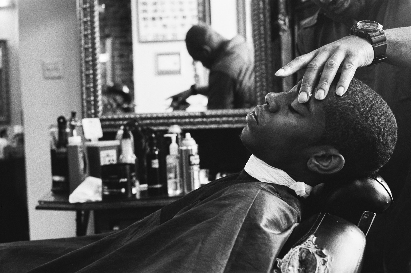 http://thefader-res.cloudinary.com/private_images/w_1440,c_limit,f_auto,q_auto:best/40380002_WEB_gmcgws/levels-barbershop-new-york-ny.jpg