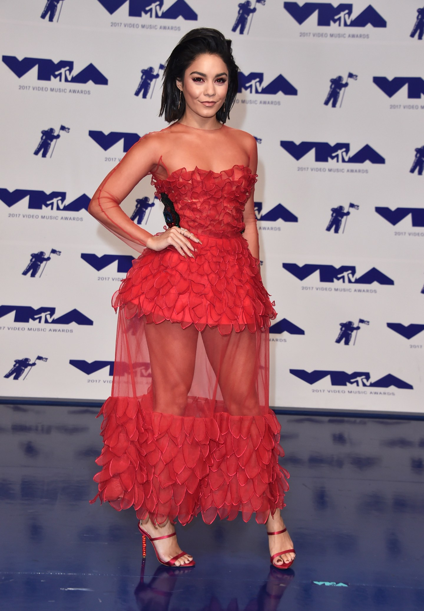 Here Are All The Looks You Need To See From The 2017 VMAs Red Carpet