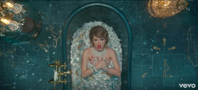 """All The Things Taylor Swift's """"Look What You Made Me Do"""" Video Reminds Us Of"""