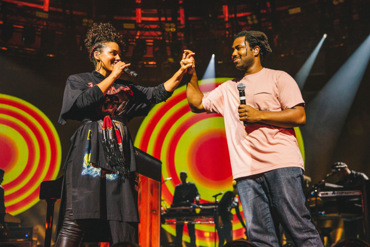 Watch Sampha Join Alicia Keys On Stage In London