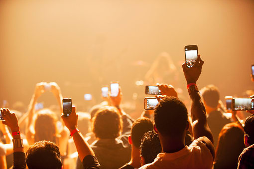 Apple Has Patented New Technology That Could Disable Your iPhone Camera At Concerts