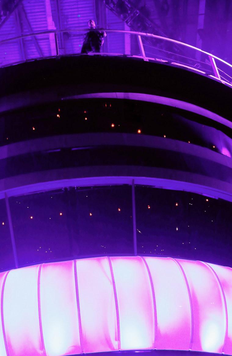 How Drake Got That Massive CN Tower Model At OVO Fest 2017