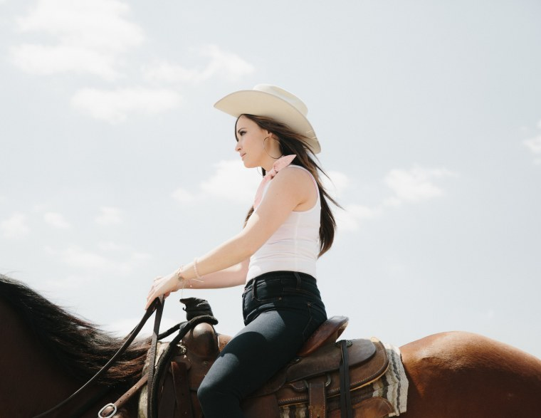 "The Story Behind ""Dime Store Cowgirl,"" The Best Song On Kacey Musgraves' <i>Pageant Material</i>"