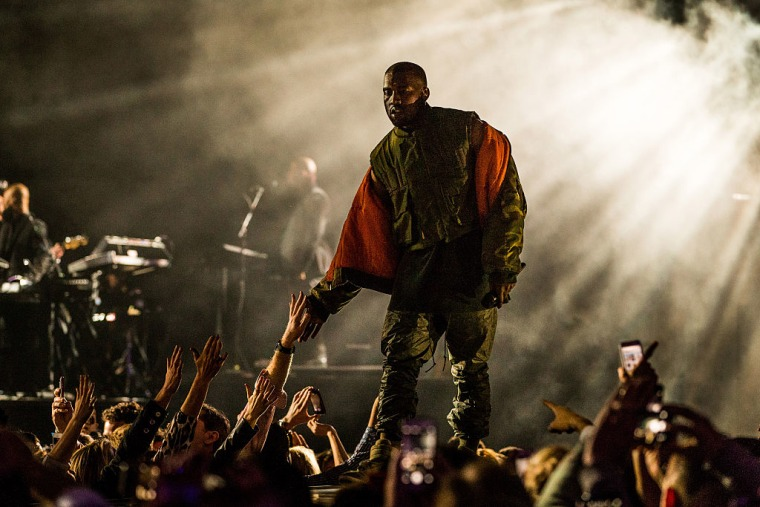 Report: Kanye West Could Resume Touring In Early 2018
