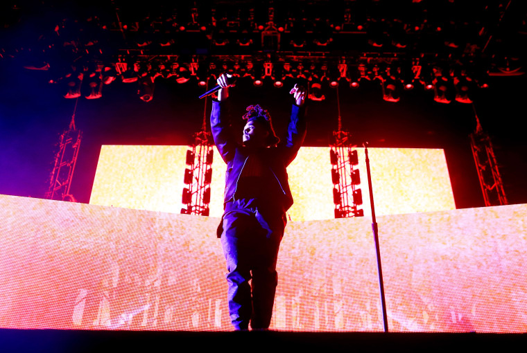 The Weeknd's <i>Beauty Behind The Madness</i> Debuts At No. 1 On The Billboard 200