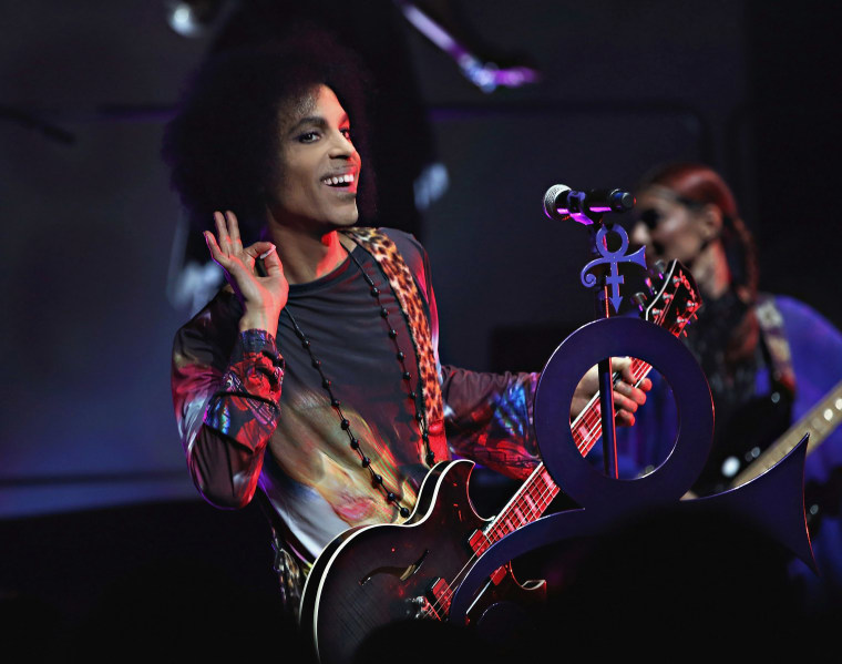 Prince Expected To Return To The Top Of The Albums Charts Next Week