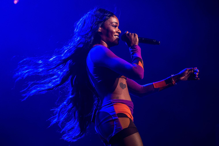 """Azealia Banks Call Out """"Violent And Belligerent"""" Australian Crowds"""