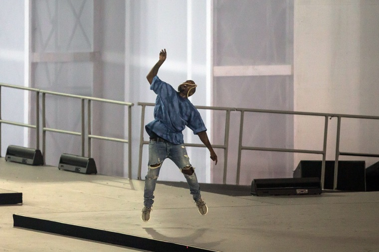 Watch Kanye's Epic Mic Drop At The Pan Am Games' Closing Ceremony