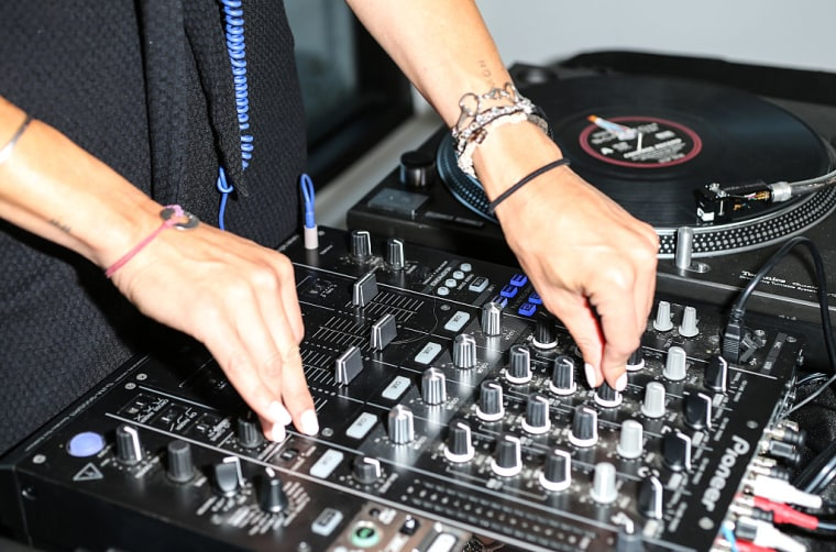 DJ Mixes And Unofficial Remixes May Soon Be Legal On Spotify