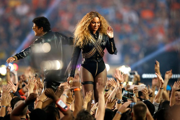 Beyoncé And Bruno Mars Are The Top Nominees For The 2017 BET Awards