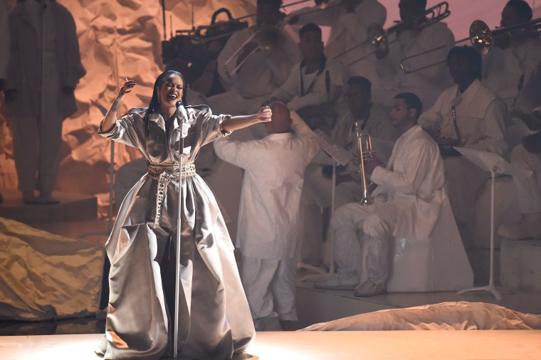 Here's Why Rihanna Had The Best Night Ever At The 2016 VMAs