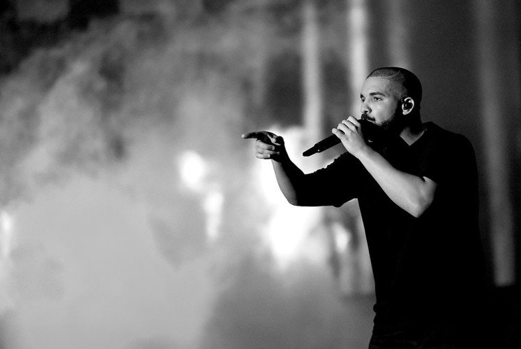 Drake Breaks Michael Jackson's Record With 13 American Music Award Nominations