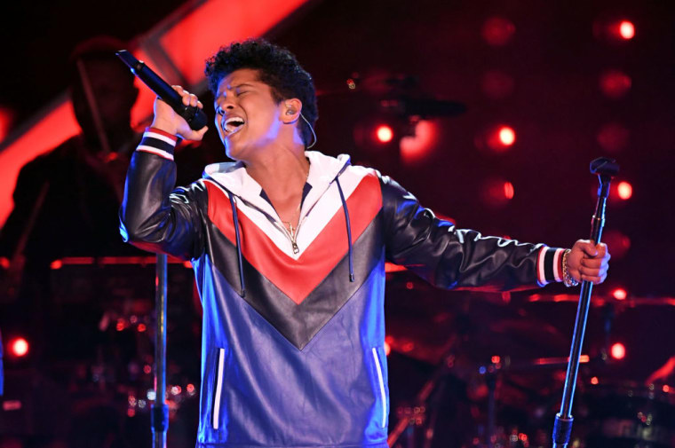 "Bruno Mars's ""That's What I Like"" Jumps To No. 1 On The Hot 100"