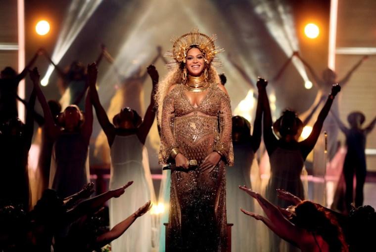Beyoncé Wins Peabody Award For <i>Lemonade</i>