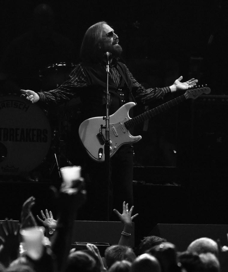 Report: Legendary rock musician Tom Petty has died