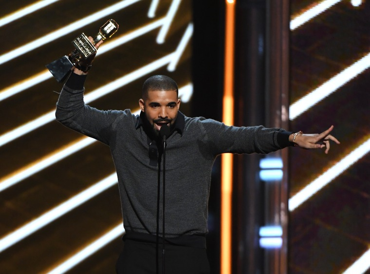 Here Are All The Winners From The 2017 Billboard Music Awards