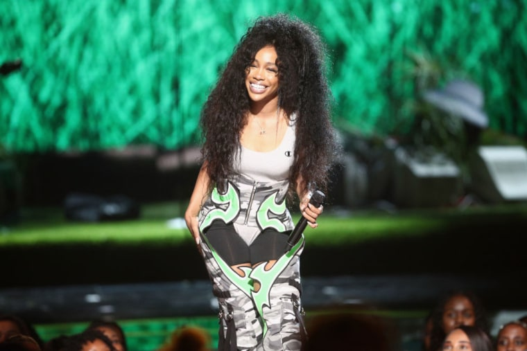 SZA, U2, and Foo Fighters to perform on <i>SNL</i> in December