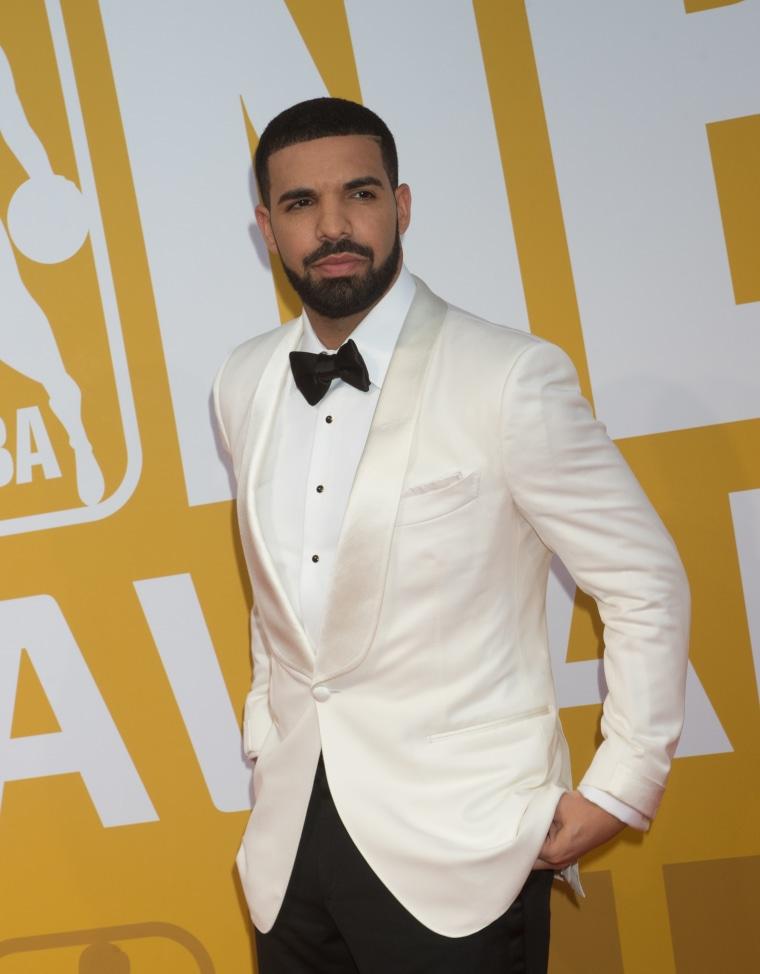 You can now bid on Drake's handwritten lyrics