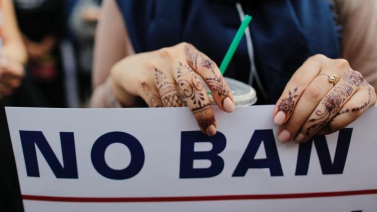 A Judge Blocked The Immediate Immigration Of 200 Iraqi Immigrants