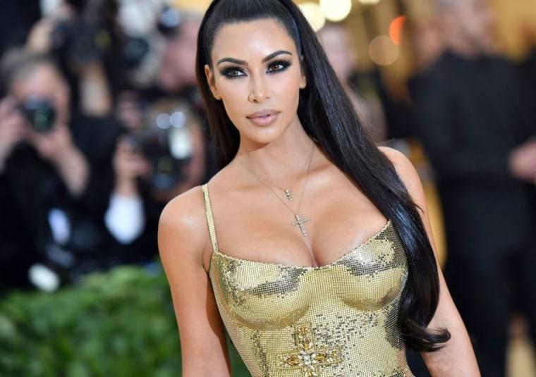 Trump commutes Alice Johnson sentence after Kim Kardashian visit