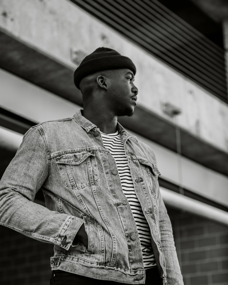 "Jacob Banks Needs To Break Free From Love's Addiction In ""Chainsmoking"""