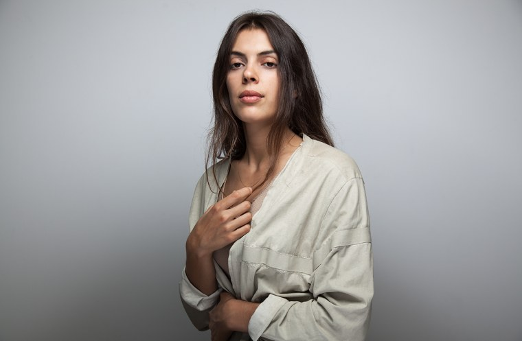 "Julie Byrne Debuts ""I Live Now As A Singer"" An Exquisite Folk Song For Drifters"