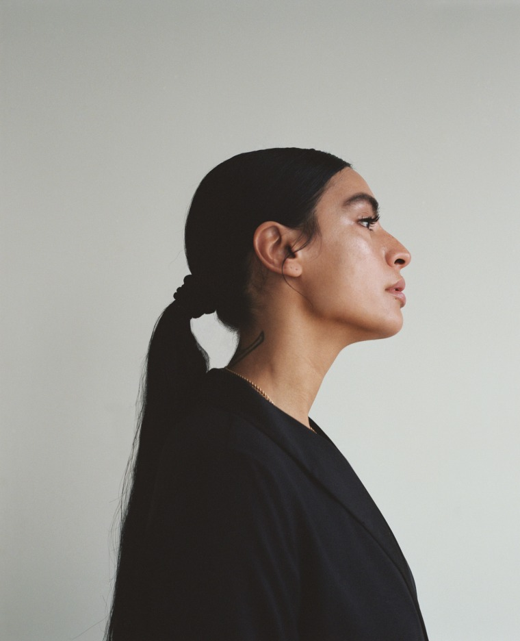 "Sevdaliza Premieres ""Hero"" From Her Debut Album, <i>ISON</i>"