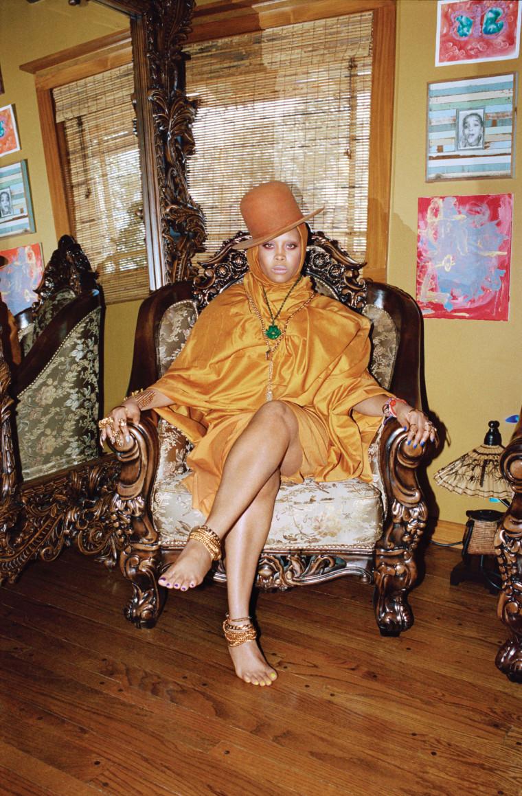 Listen To A Playlist Erykah Badu Put Together For 2 Chainz
