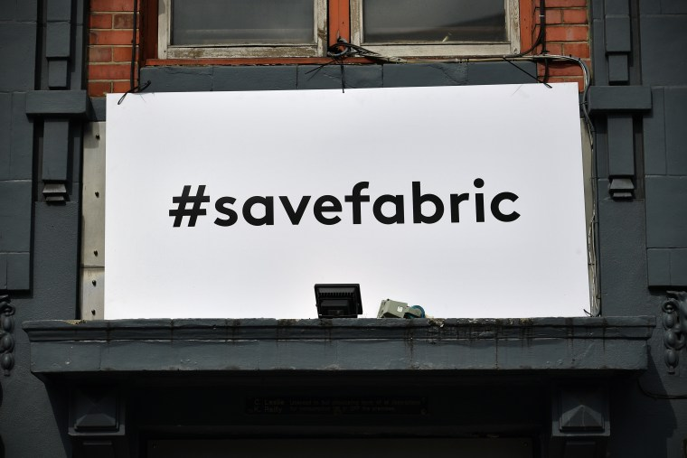 Fabric Throwing Concert And Photography Exhibition For #SaveOurCulture Campaign