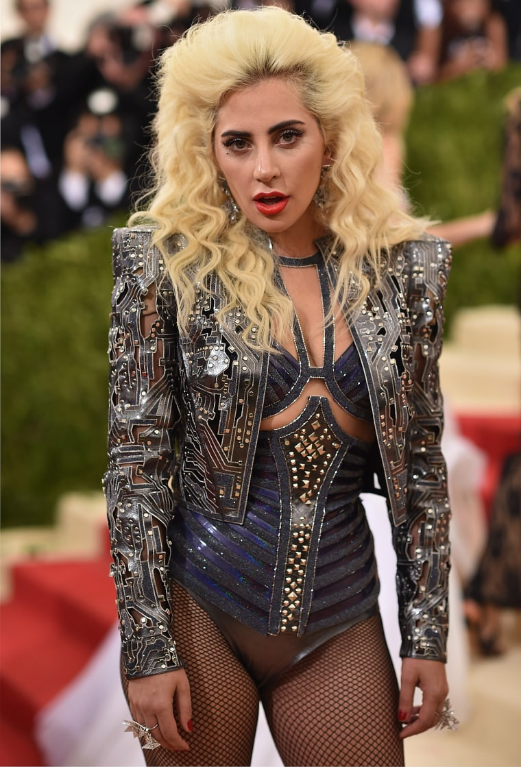 Report: Lady Gaga Will Headline The Super Bowl 2017 Halftime Show