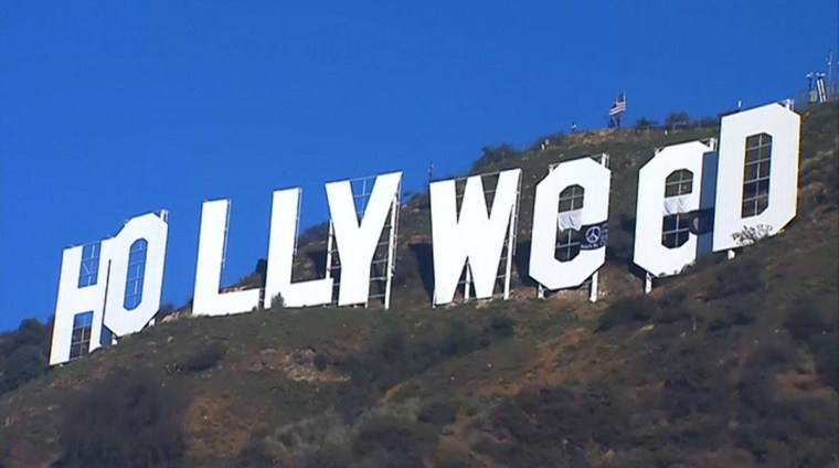 """Someone Changed The Hollywood Sign To """"Hollyweed"""" To Celebrate California's New Marijuana Law"""