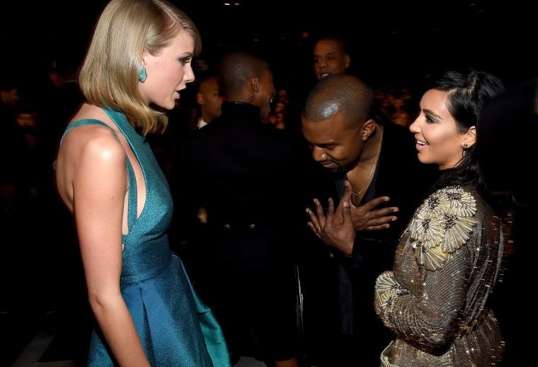 """Kim Kardashian Posted Footage Of Taylor Swift Signing Off On Kanye West's """"Famous"""" Lyrics"""